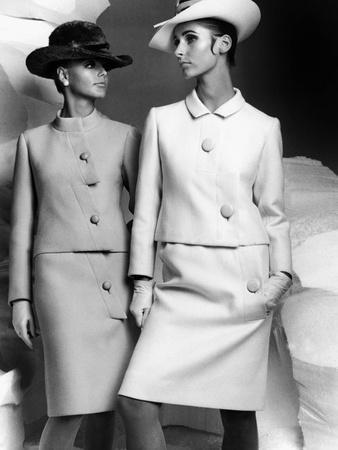 https://imgc.artprintimages.com/img/print/lanvin-fashion-for-autumn-winter-collection-1966_u-l-pwgk430.jpg?p=0