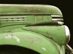Chevy Streamline - Apple Green by Larry Hunter