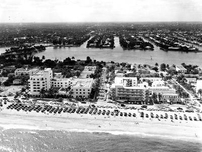 Lauderdale Beach and Islands, C.1950--Photographic Print