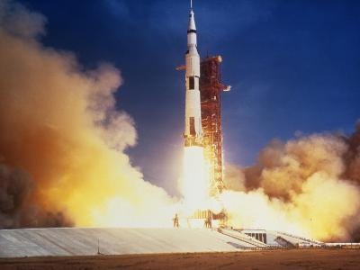 Launch of Apollo 11 Spacecraft En Route To Moon--Photographic Print