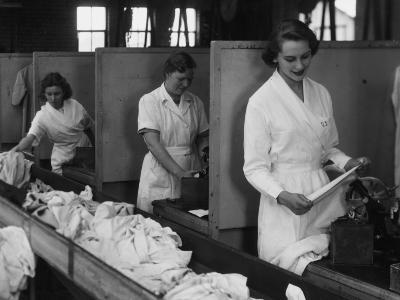 Laundry Workers-Chaloner Woods-Photographic Print