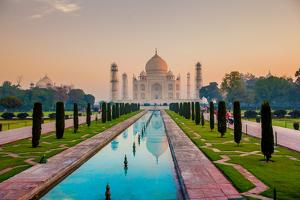 Sunrise at the Taj Mahal, UNESCO World Heritage Site, Agra, Uttar Pradesh, India, Asia by Laura Grier