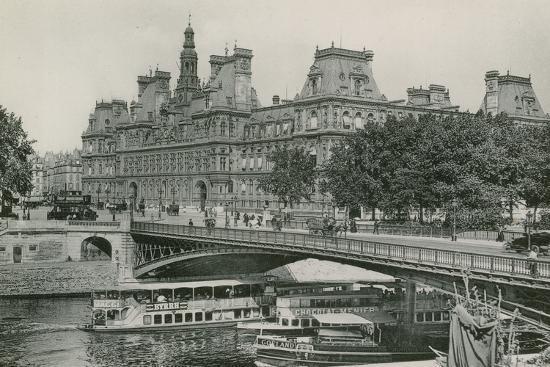 Le Pont D'Arcole Et L'Hotel De Ville, Arcole Bridge and Town-Hall--Photographic Print