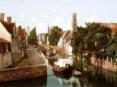 Le Quai Vert, Bruges--Giclee Print