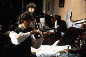 Le Secret by la Pyramide YOUNG SHERLOCK HOLMES by BarryLevinson with Alan Cox and Nicholas Rowe, 19