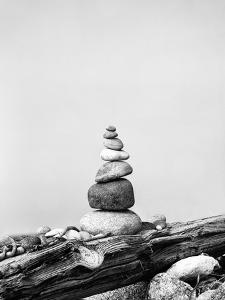 Cairn Beach by Lebens Art