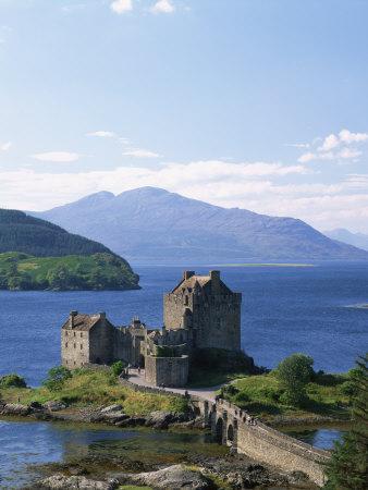 Eilean Donnan Castle, Loch Duich, Highlands, Scotland, United Kingdom, Europe
