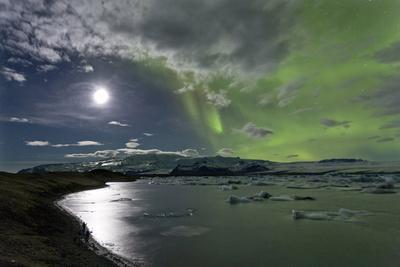 The Aurora Borealis (Northern Lights) over Jokulsarlon Glacial Lagoon, Vatnajokull National Park