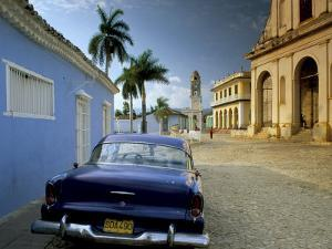 View Across Plaza Mayor with Old American Car Parked on Cobbles, Trinidad, Cuba, West Indies by Lee Frost