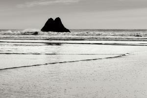 Beach Reflection 5 by Lee Peterson