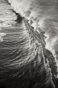 Wave 3 by Lee Peterson
