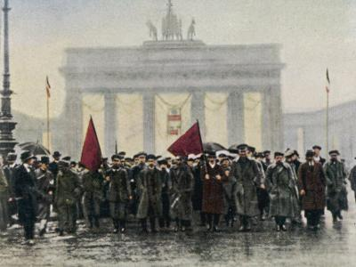 Left Wing Demonstrations That Lead to Ebert Forming the Weimar Republic--Photographic Print