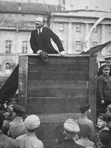 Lenin Delivering a Speech in a Moscow Square, with Trotsky Watching, 1918