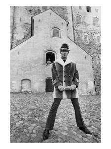 GQ - November 1968 by Leonard Nones