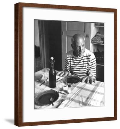 Les Pains de Picasso, Vallauris 1952-Robert Doisneau-Framed Art Print