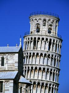 Exterior of the Leaning Tower of Pisa by Leslie Richard Jacobs