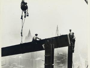 Building the Empire State Building, c.1931 (gelatin silver print) by Lewis Wickes Hine