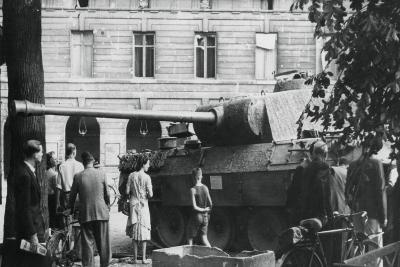 Liberation of Paris, August 1944--Giclee Print