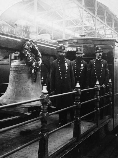 Liberty Bell Journey-Hulton Archive-Photographic Print