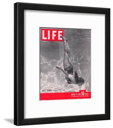LIFE Ballet Swimmer 1945