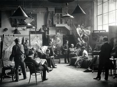 Life Class at the Imperial Academy of Art, C.1914--Photographic Print