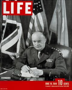 LIFE General Eisenhower 1944