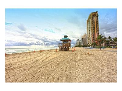Lifeguard station on the Beach, Miami Beach, Florida, USA--Art Print