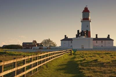 Lighthouse; South Shields, Tyne and Wear, England-Design Pics Inc-Photographic Print