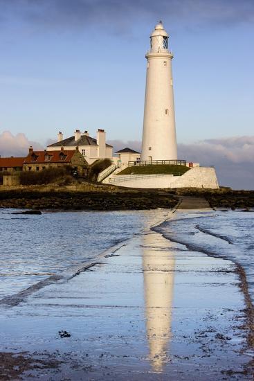 Lighthouse; Whitley Bay, Northumberland, England-Design Pics Inc-Photographic Print