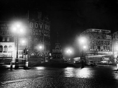 Lights Out in Piccadilly Circus, London, 1951--Photographic Print