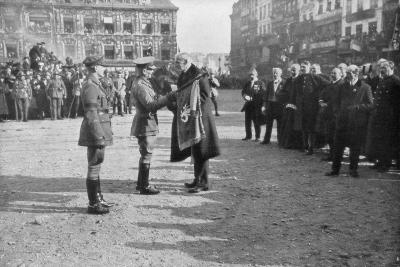 Lille Being Liberated by the British 5th Army, France, 17 October 1918--Giclee Print
