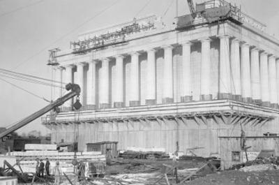 Lincoln Memorial Undergoes Construction