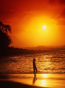 Ke'e Beach at Sunset by Linda Ching