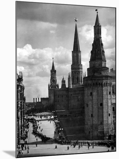 Line of Russians Along Street in Front of the Kremlin-Margaret Bourke-White-Mounted Photographic Print