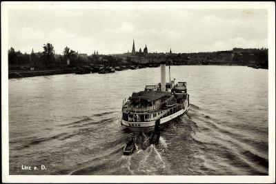 Linz Donau Oberösterreich, Der Dampfer D. D. S. G.--Giclee Print