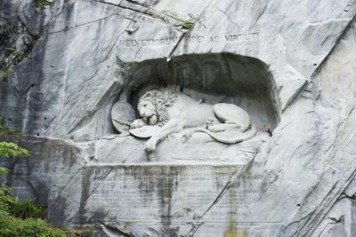 https://imgc.artprintimages.com/img/print/lion-monument-by-lucas-ahorn-for-swiss-soldiers-who-died-in-the-french-revolution_u-l-pxwubh0.jpg?p=0