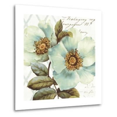 White Floral Bliss I