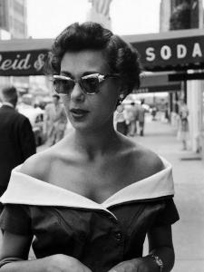 Attractive Young Woman in Manhattan by Lisa Larsen