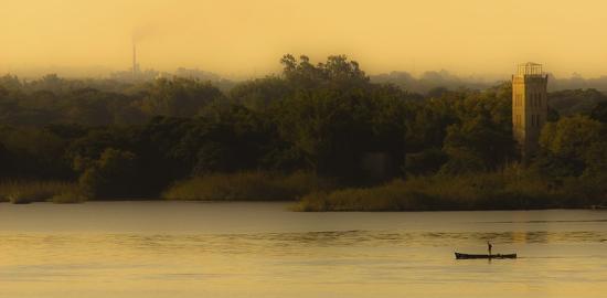 lisandro-trarbach-fishing-at-sunset