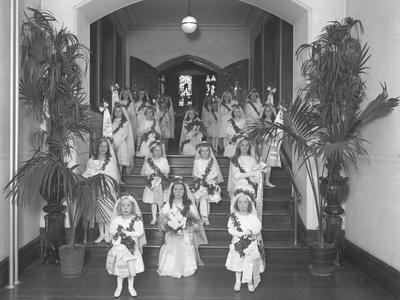 https://imgc.artprintimages.com/img/print/little-girls-at-the-the-roman-catholic-orphan-asylum_u-l-pw6zlh0.jpg?p=0