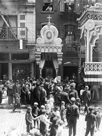 Little Italy, Street Altar to Our Lady of Help, Mott St., New York, 1908