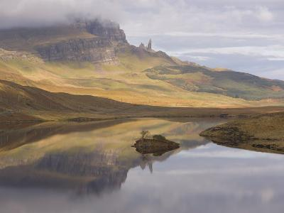 Loch Leathan, the Old Man of Storr, Isle of Skye, Inner Hebrides, West Coast, Scotland, UK-Gavin Hellier-Photographic Print