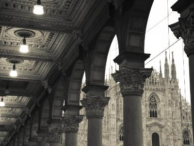 Lombardy, Milan, Piazza Del Duomo, Duomo, Cathedral, Dawn, Italy-Walter Bibikow-Photographic Print