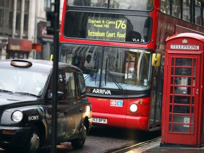 https://imgc.artprintimages.com/img/print/london-buses-and-taxis-in-heavy-traffic_u-l-pd732z0.jpg?p=0