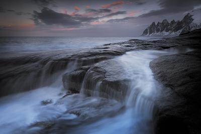 Long Exposure of Tidal Water Flowing Off Rocks-Benjamin Barthelemy-Photographic Print