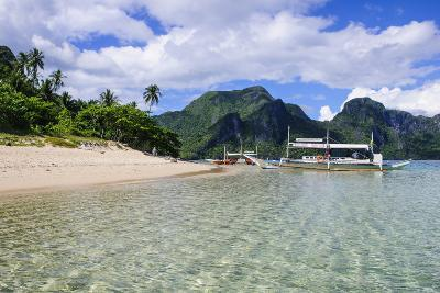 Long Sandy Beach in the Bacuit Archipelago, Palawan, Philippines-Michael Runkel-Photographic Print