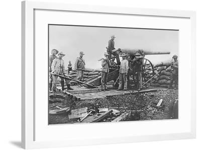 Long Tom Cannon at Mafeking, 1899--Framed Photographic Print
