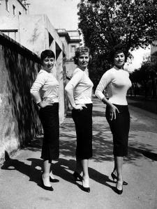 Actress Sophia Loren Posing with Her Mother and Her Sister by Loomis Dean