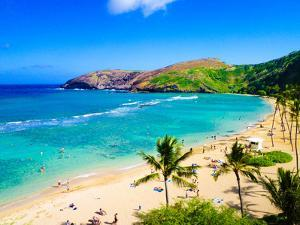 Hanauma Bay, the Best Place for Snorkeling in Oahu,Hawaii by lorcel