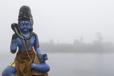 https://imgc.artprintimages.com/img/print/lord-shiva-statue-on-the-ganga-talao-lake-or-grand-bassin-a-sacred-hindu-site_u-l-q12wvn50.jpg?p=0